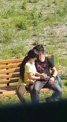 Молодая узбечка дрочит парню на улице #min_2.jpg