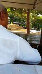 Бабка и дед на лавочке Узбеки #min_1.jpg