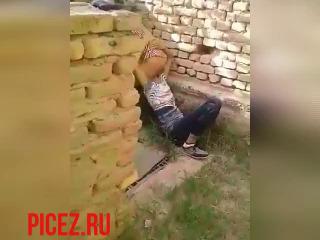 Лизал пизду узбечке кенаишке но его спалили #min_1.jpg
